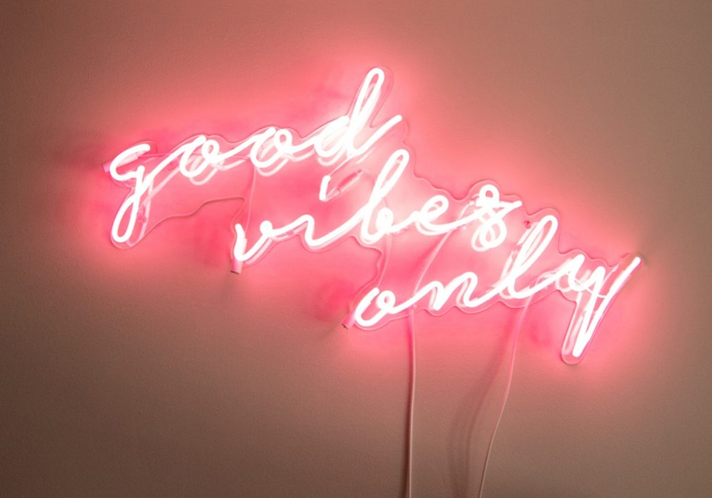 good-vibes-only-neon-sign-1200x840