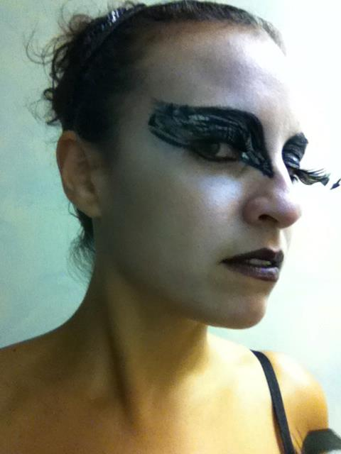 black-swan-halloween-costume