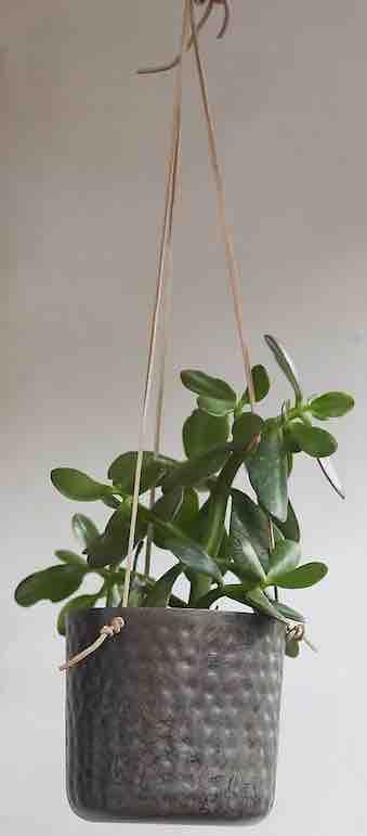 hanging-metal-pot