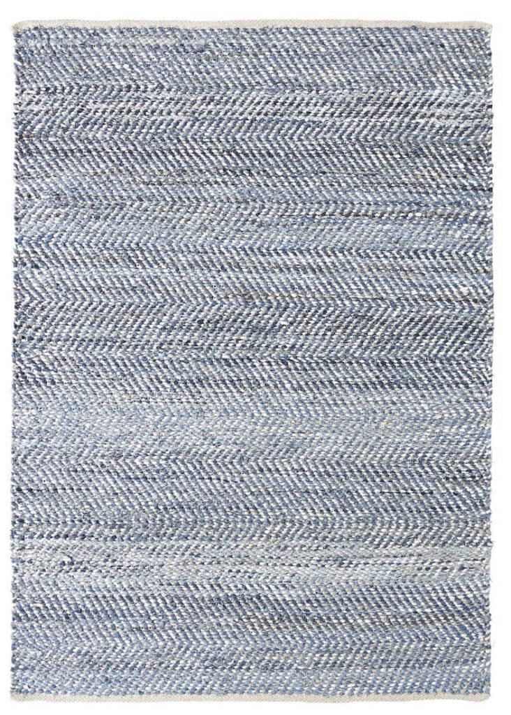 living-room-ideas-navy-blue-denim-rug