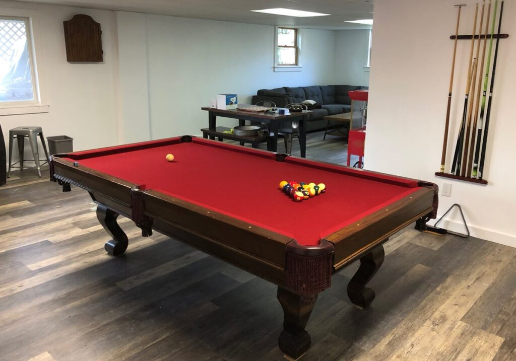 christmas-party-games-red-felt-wood-pool-table-2