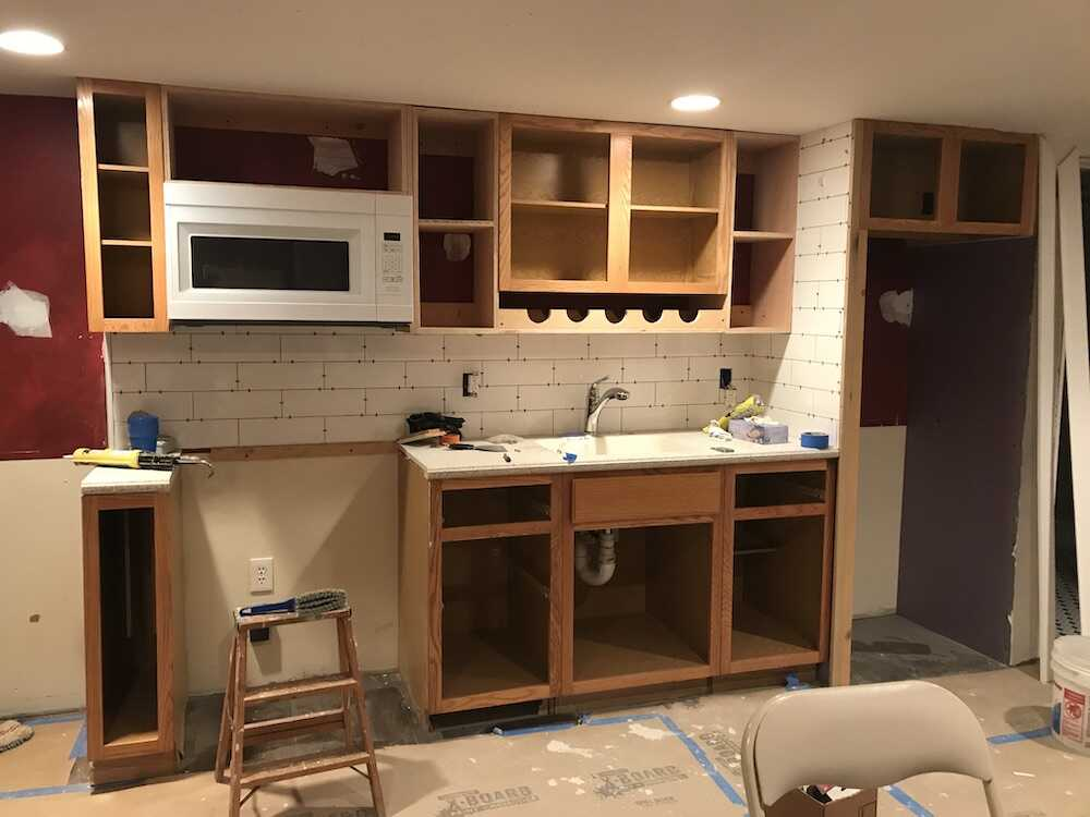 how-to-paint-kitchen-cabinets-white