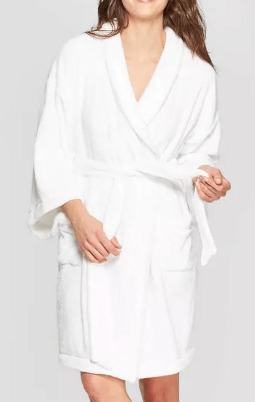 dorm-bathroom-essentials-white-bathrobe