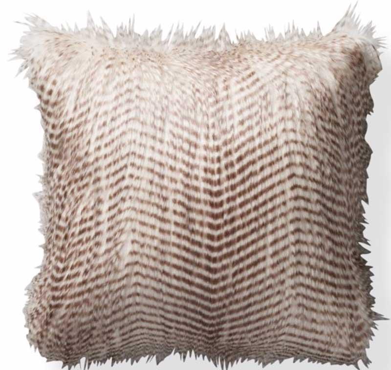 04-faux-fur-pillow