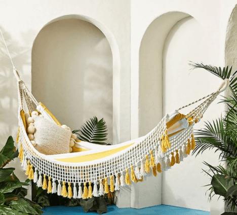 outdoor-patio-hammock