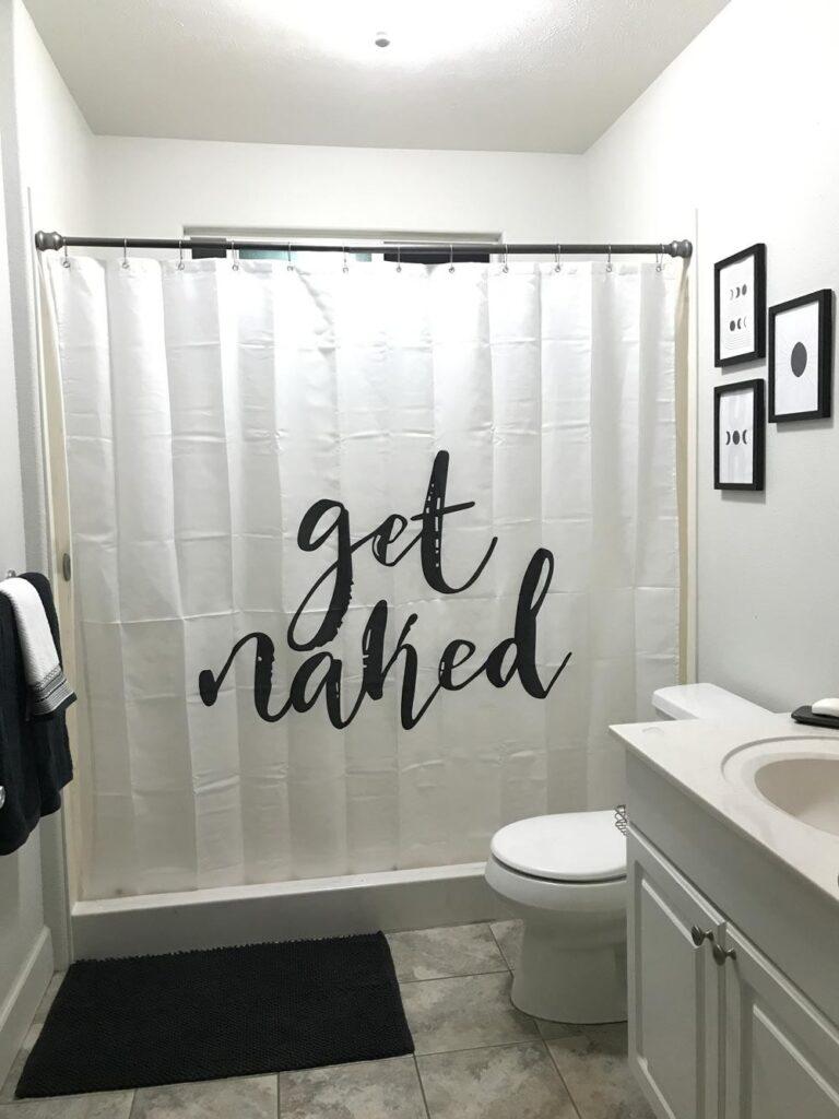 college-apartment-decor-bathroom